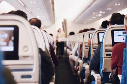 Авиакомпании смогут экономить топливо при подключении самолетов к интернету