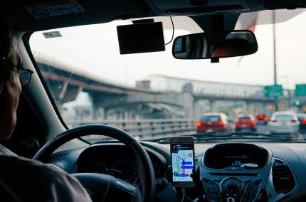 Uber начнёт отключать водителей, которые провели за рулём более 12 часов
