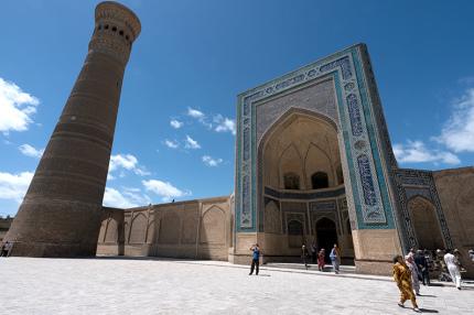 Узбекистан запускает электронные визы