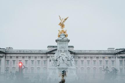 Букингемский дворец открыли для посещений