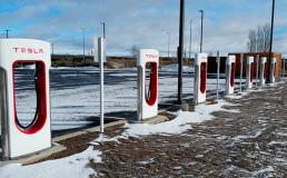 В Украине хотят оборудовать все парковки зарядками для электрокаров