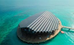Новый курорт на Мальдивах работает от солнечных батарей