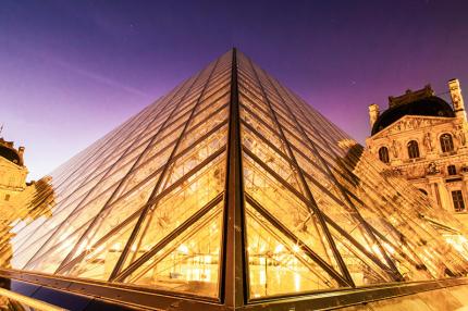 По закрытому Лувру будут проводить частные экскурсии