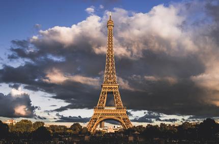 Центр Парижа закроют для туристических автобусов