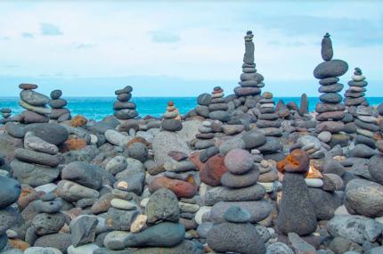 На Канарских островах хотят запретить строить башни из камней