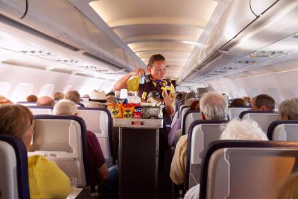 Диетологи рассказали что лучше есть в самолёте