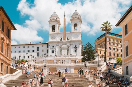 Туристам в Риме больше нельзя сидеть на исторических лестницах