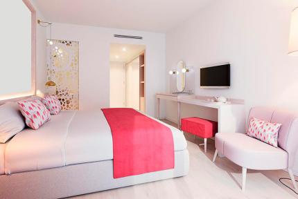 На Майорке открылся отель только для женщин