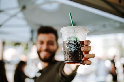 Американец посетил 15 тысяч кофеен Starbucks