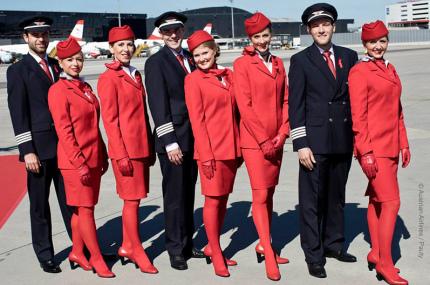 Austrian Airlines начала продавать фирменные красные чулки