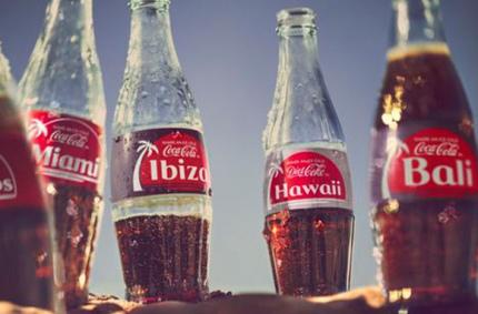 Coca-Cola создала этикетки для путешественников