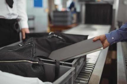 США хотят запретить электронные устройства на рейсах из Европы