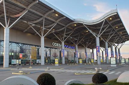 Аэропорт Одессы перевёл все рейсы в новый терминал