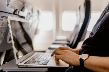 В Индии разрешили использовать Wi-Fi на борту самолётов
