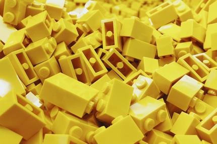 LEGO записал серию видеоуроков и проводит челленджи по сбору конструктора