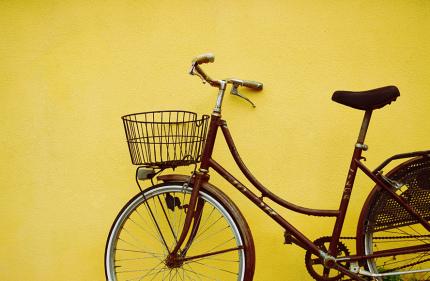 Во Франции хотят отдать автомобильные полосы под велосипедные дорожки