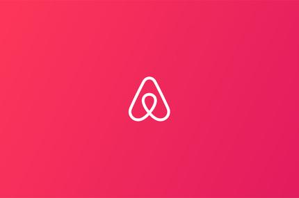 Airbnb объявил о сокращении 25% команды
