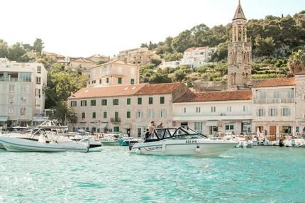 Хорватия начала принимать туристов