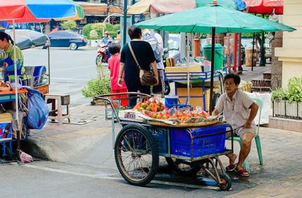 Уличная еда останется только в трех районах Бангкока