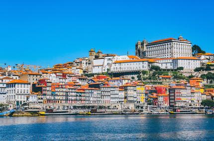 Португалия назвала страны, для которых откроет границы