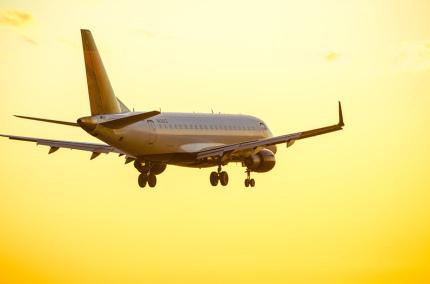 Украина возобновила регулярные международные авиаперевозки