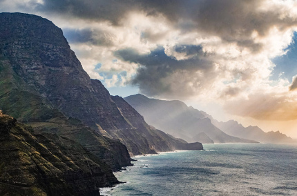 Канарские острова предлагают туристам бесплатную страховку от коронавируса