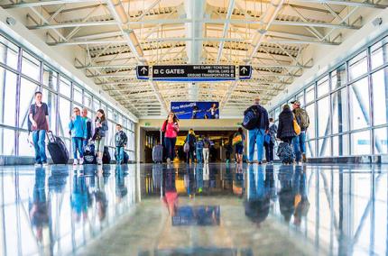 США усилит проверки для зарубежных рейсов