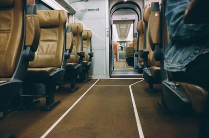 Индийская авиакомпания разрешит пассажиркам не занимать места посередине