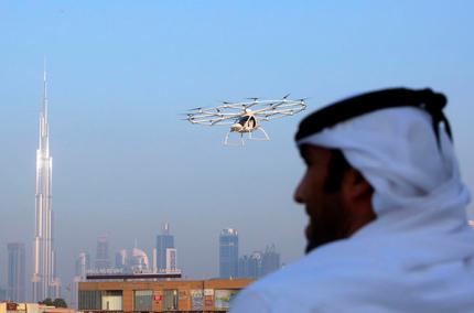 В Дубае запустили первое воздушное беспилотное такси