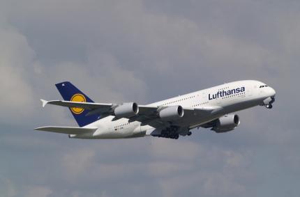 Lufthansa снова будет обслуживать дальнемагистральные рейсы