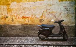Барселона ограничит доступ к центру для мопедов и мотоциклов