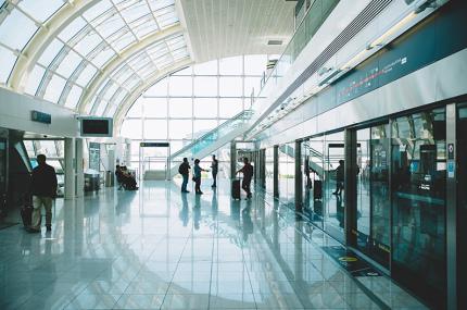В аэропорту Дубая паспортный контроль будет занимать 10 секунд